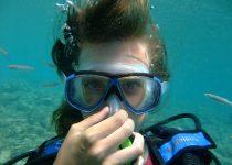 Women Scuba diving
